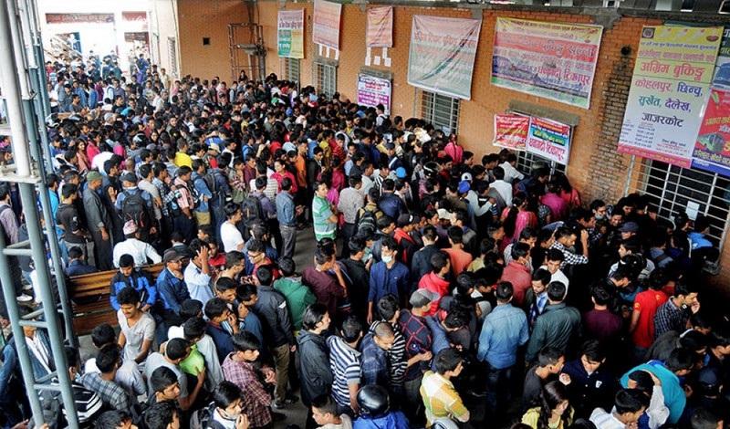 दशैंमा घर जान २ दिनमा नयाँ बसपार्कबाट मात्रै २०  हजार यात्रुले लिए अग्रिम टिकट