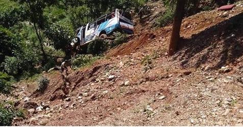 सिन्धुपाल्चोकमा बस दुर्घटनामा ११ जनाको मृत्यु